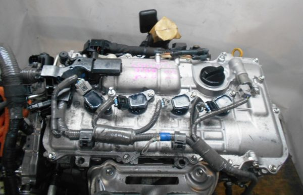 Двигатель Toyota 2ZR-FXE - 4399889 CVT P410-01A FF ZVW30 коса+комп 2