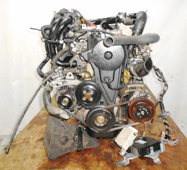 Двигатель Daihatsu EF-DET - 7498784 AT FR JBS5 J131G 96 000 km коса+комп 4