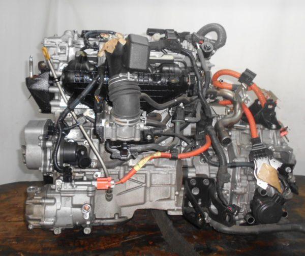 Двигатель Toyota 2ZR-FXE - 4399889 CVT P410-01A FF ZVW30 коса+комп 4