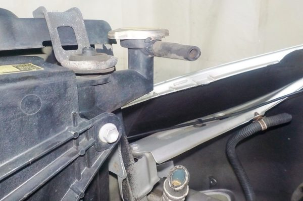 Ноускат Toyota Isis xenon (041811) 10