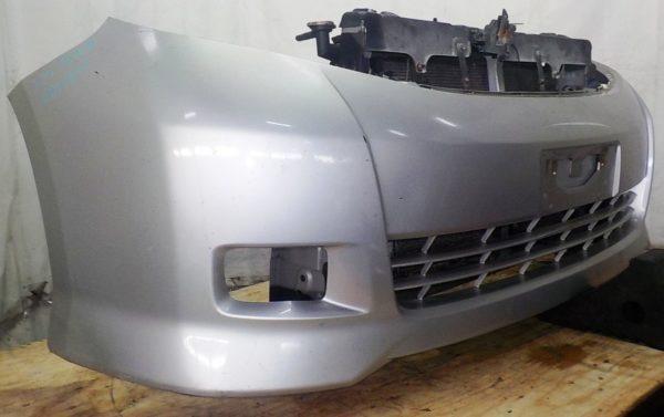 Ноускат Toyota Isis xenon (041811) 2