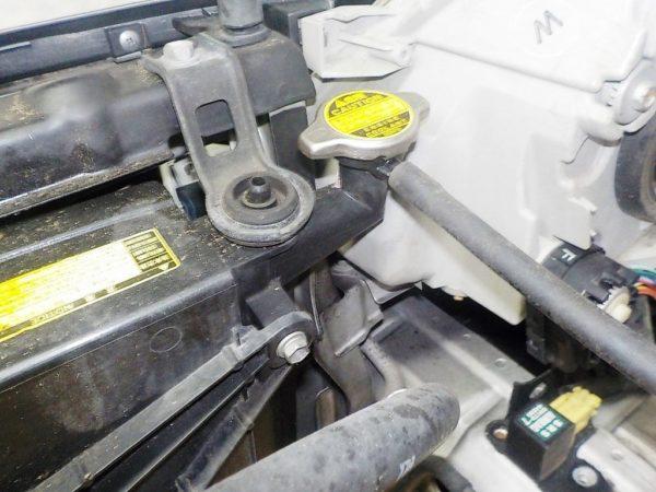 Ноускат Toyota Isis (E071722) 10