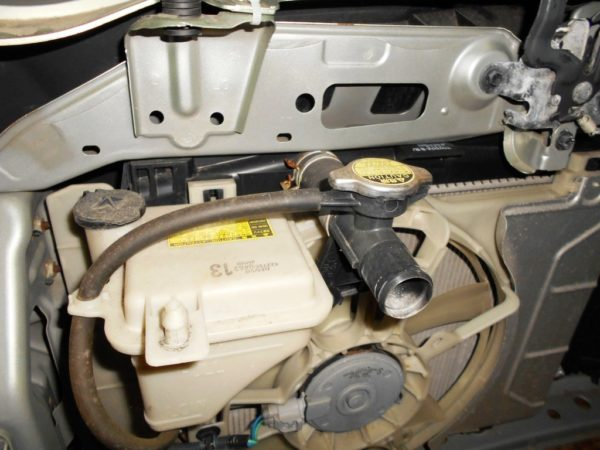 Ноускат Toyota Vitz 90, (1 model) xenon (J041908) 7