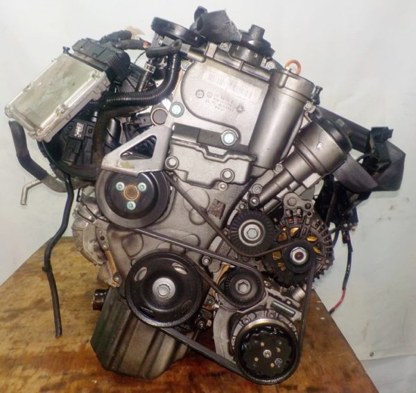 Двигатель Volkswagen BLF - 079660 AT FF WWWZZZ1K25W197305 90 000 km коса+комп 3