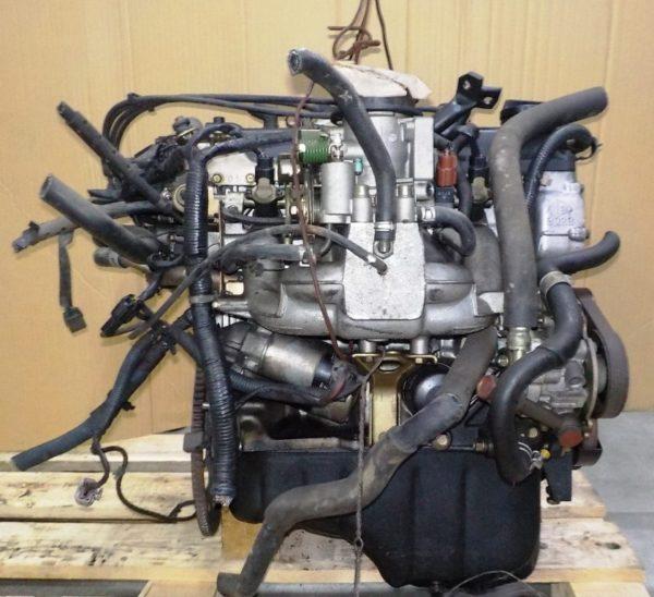 Двигатель Nissan CG13-DE - 246387A AT FF, брак крышки клапанов, без КПП 5