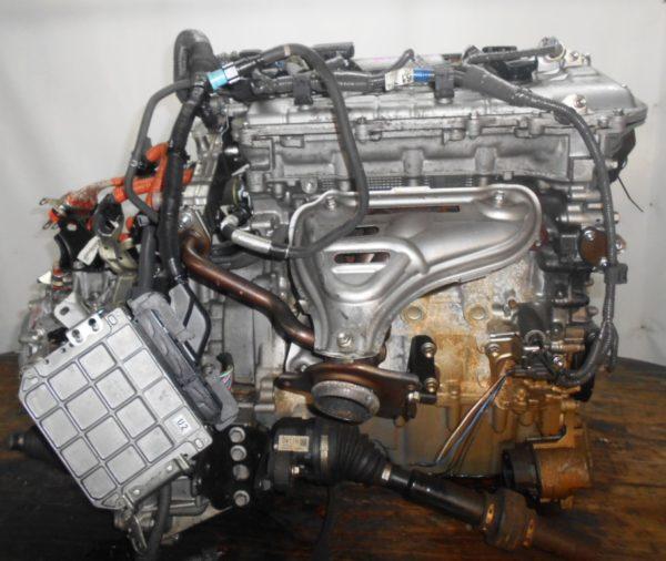 Двигатель Toyota 2ZR-FXE - 4399889 CVT P410-01A FF ZVW30 коса+комп 1