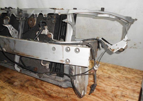 Ноускат Toyota Wish (1 model) (Е061930) без бампера и R фары 3