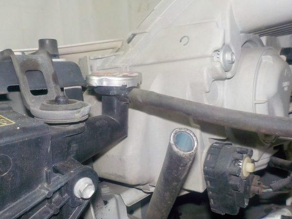 Ноускат Toyota Isis xenon (E021825) 13