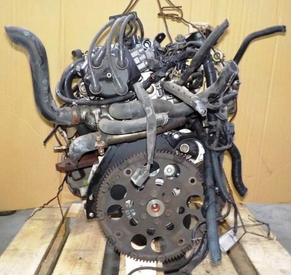 Двигатель Nissan CG13-DE - 246387A AT FF, брак крышки клапанов, без КПП 4