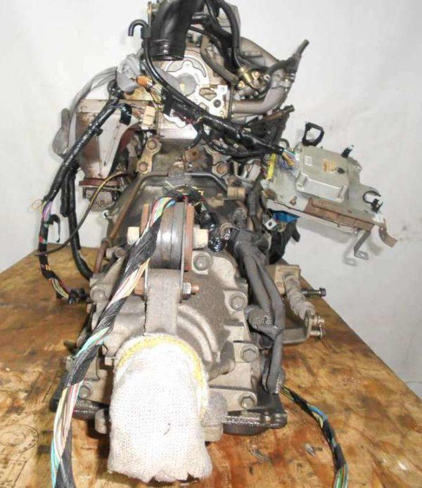 Двигатель Mazda FE - 13528 AT FR SGEW коса+комп 7
